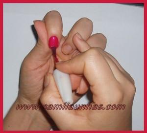 Esmaltando as unhas